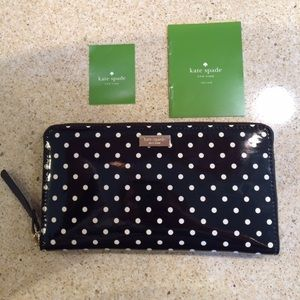 NWT Kate Spade Black with Cream Dots Neda Wallet